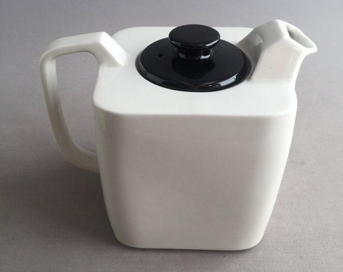 deco style teapot