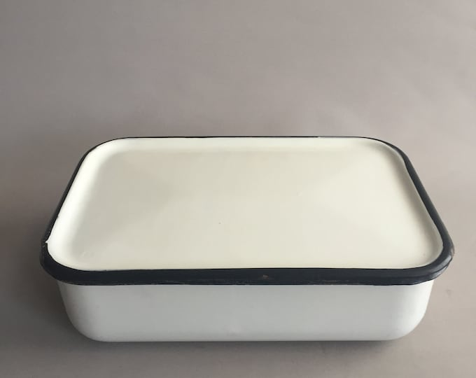 Large enamel tin with lid