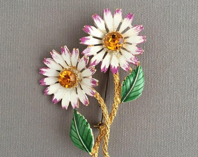 1960s Hollywood daisy brooch