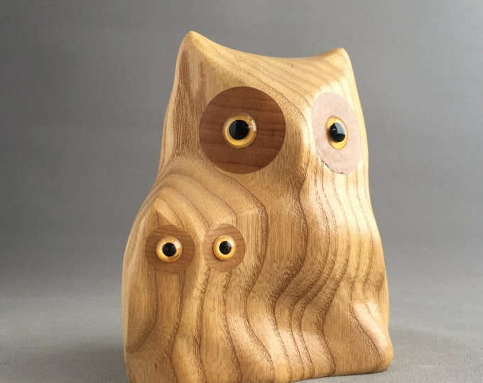wooden carved owls ornament