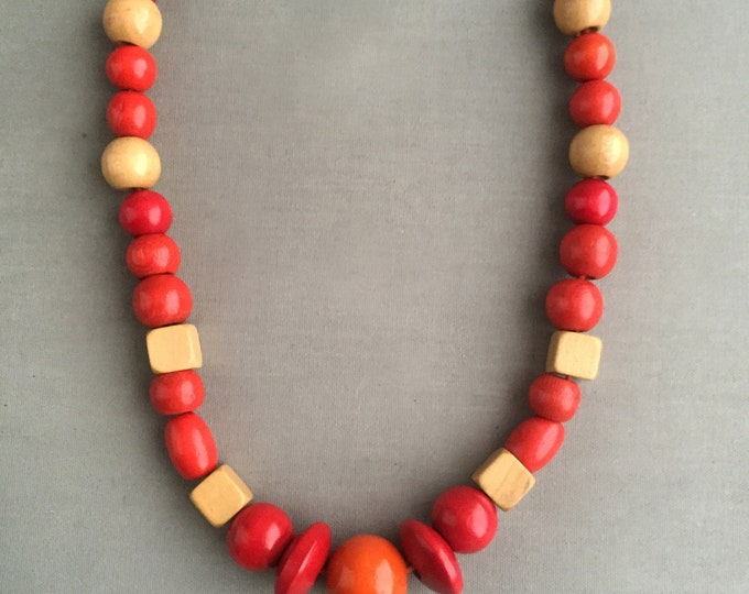 chunky 1960s wooden bead necklace