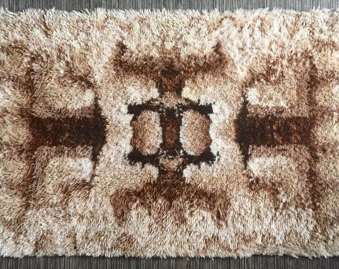 1960s wool rye style rug shag pile