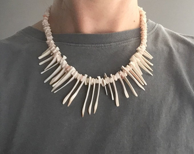 1970s conch shell necklace