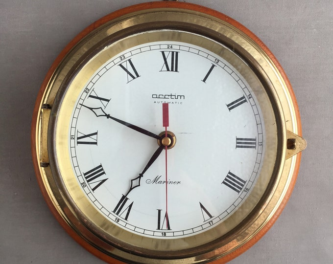 Vintage Ships style Nautical clock