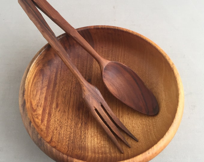 wood bowl with servers
