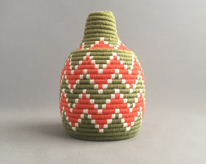 Vintage moroccan bread basket orange and green