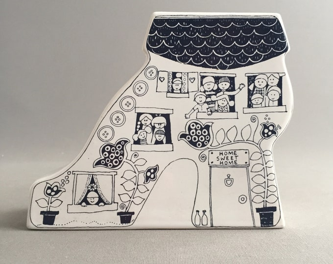 Carltonware money bank- woman who lived in a shoe