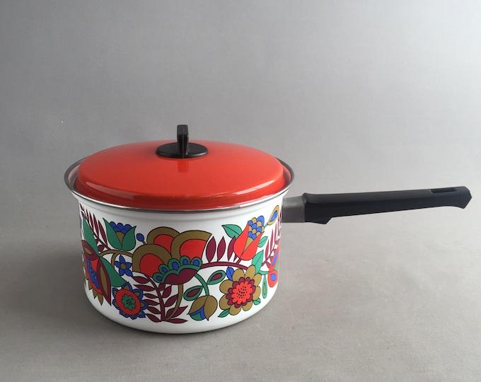 1970s pot/ saucepan with lid