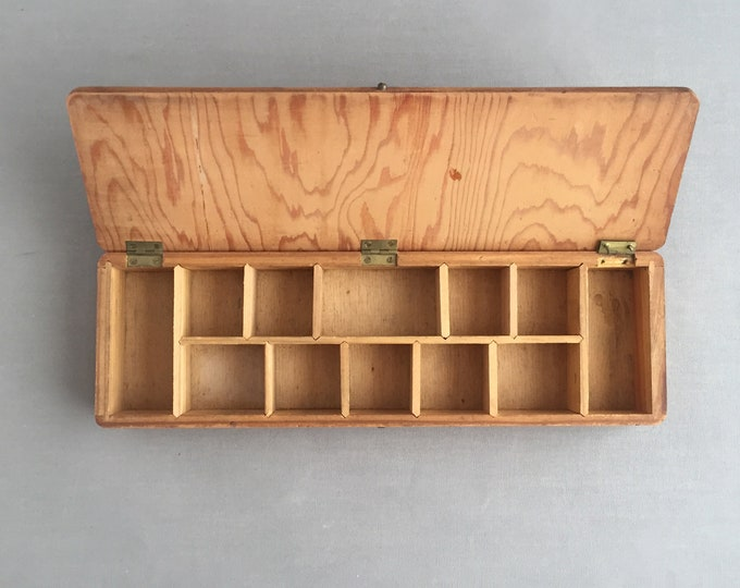 compartmented wooden box