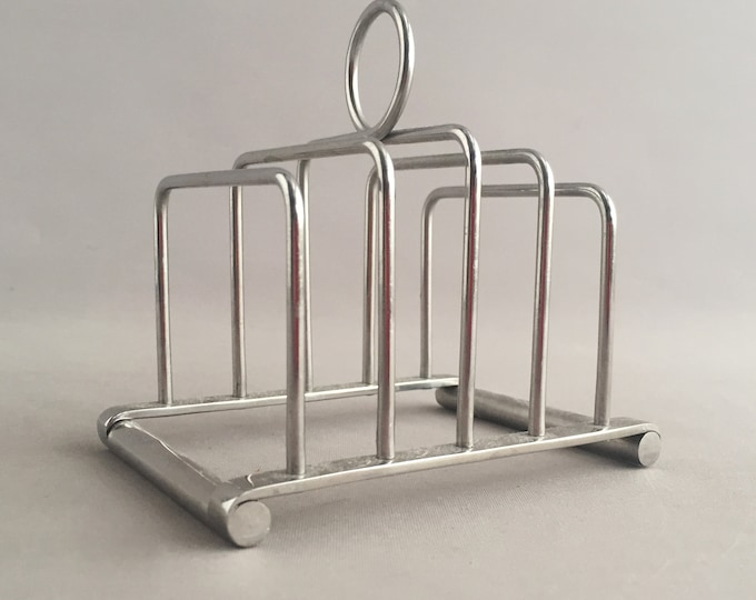Olde Hall toast /letter rack