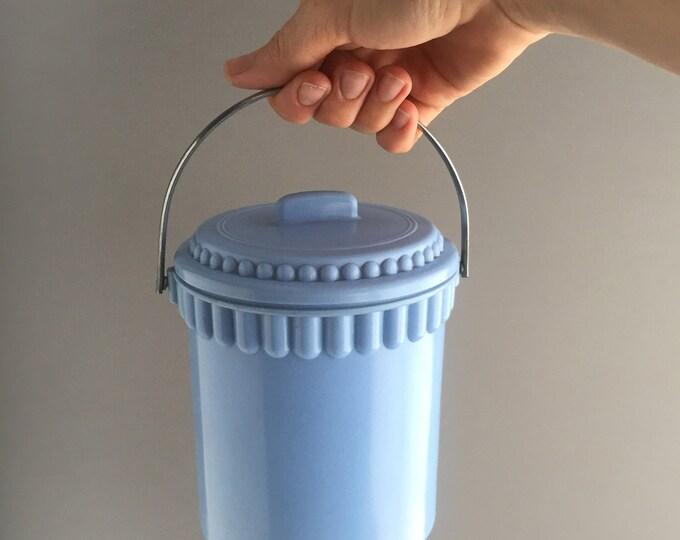 1960s plastic/ bakelite ice bucket