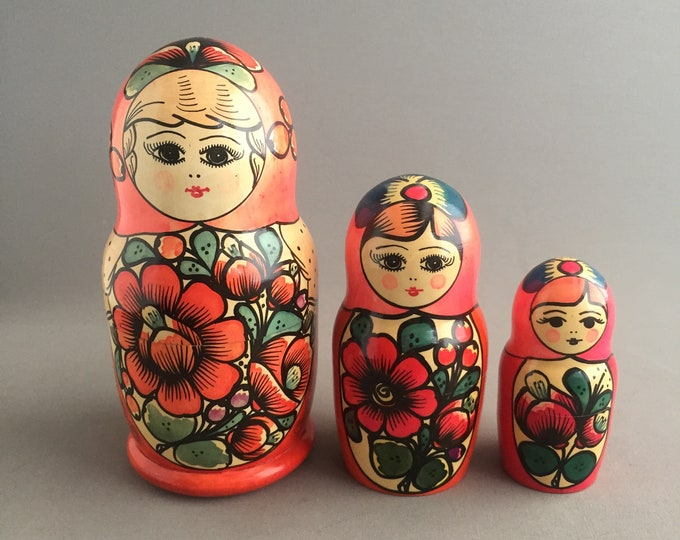 matryoshka nesting doll set