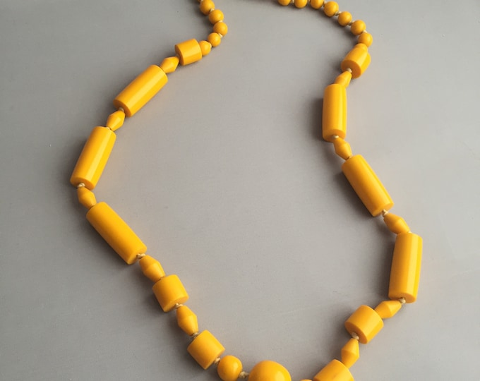 yellow bakelite bead necklace