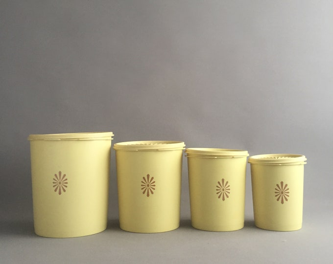 1960s Tupperware set