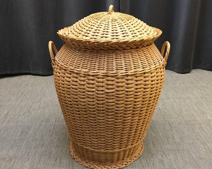1970s Alibaba syle laundry basket