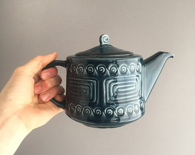 Totem tea pot by Sylvac