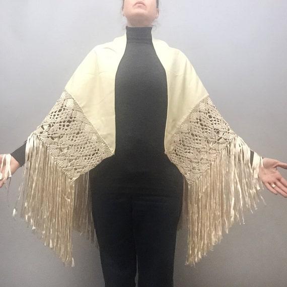 wool piano shawl - image 3
