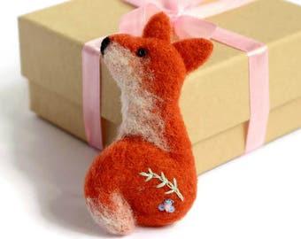 Felt Fox, Fox Brooch, Fox Pin, Needle Felt Animal, Fox Jewellery, Fox Badge, Woodland Fox, Fox Accessory, Fox Gift, Gifts For Fox Lovers