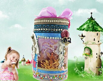 Luxury toy storage box. Personalized Christmas favor box for kids, little sister, little brother. The 12 Princesses gift box in sky blue.