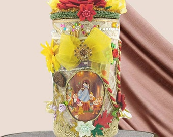 """Little girl accessories box """"The Snow white and the 7 Dwarfs"""". Easter gift for girls and kids, Gift wrapped, Personalized with a tag."""