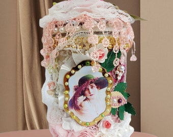 """Shabby Chic, Romantic Gift for Bride, Wife, Daughter, Girlfriend. Bedroom Accessory box """"Lady  with """"the green hat"""". Birthday gift."""