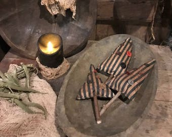 Primitive Christmas Tree Bowl Fillers Set of THREE  Ornies  Cabin Early Look Cottage