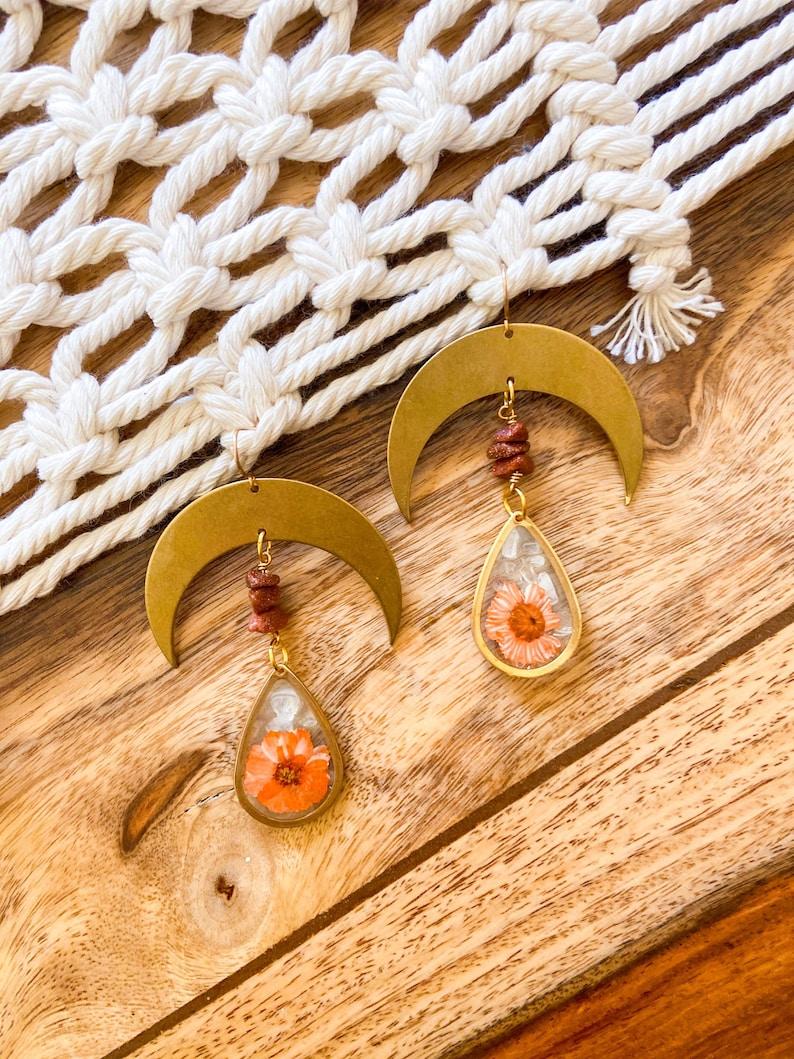 Brown Goldstone /& Clear Quartz Crystal Earrings