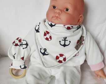 Set bib with toy, bib with anchors, wooden baby toy, baby drool toy, gift idea for babies, babyshower gift idea, sea baby accessories