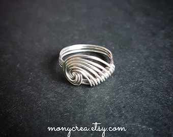 Handmodelled ring, wire copper ring, wave shaped ring,