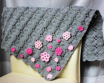 Baby blanket, pram blanket, grey blanket, carriage baby blanket, pushchair blanket, blanket with flowers, babyshower gift idea, soft blanket