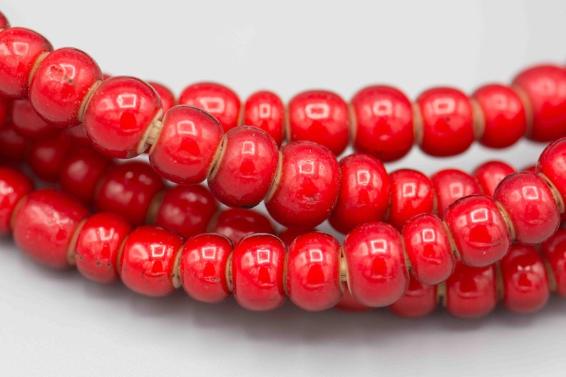 Jewelry Supplies   REDWH-1 100 Red 9mm White Heart Trade Beads