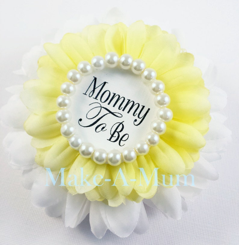 baby shower favor Yellow Baby Shower corsage Baby Girl,Grandma to Be Pin Yellow and White Mommy To Be Pin dUETTEpEARLmTB