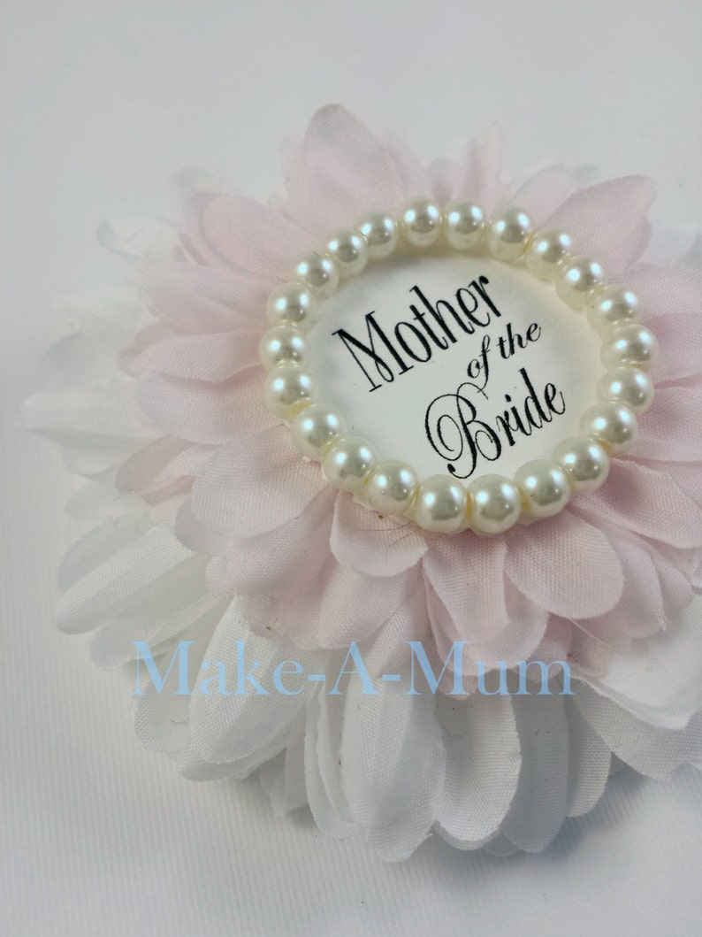 444412eb2004 Bridal Shower Corsage Bridal shower favors Mother of the