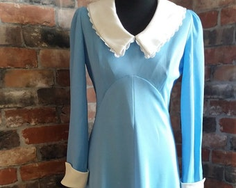 1970s Vintage Blue and white long dress size 12/14