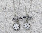 Long drop earrings- Model...