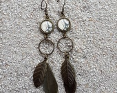 """Long hanging earrings, round cabochon and feathers, design """" Sand and black python skin """" - model """"Maryam"""""""