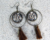 """Long drop earrings, round hoops and cabochon, charm and pompom- Model """"Zina"""" - Sand wilcat skin design"""