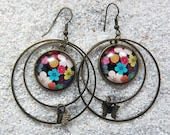 """Long drop earrings, hoops, round cab and little star charm - Model """"Mathilde """" - Design multicolored flowers"""