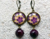 """Long drop earrings, round cabochons and charms- Modèle """"Caroline"""" - Pink wax flowers design"""
