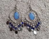 Long drop earrings, boho chic style, cabochon and charms - Blue waves design