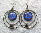 """Long drop earrings, hoops, round cab and little star charm - Model """"Mathilde """" - Blue african wax design"""