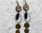 """Long sleepers earrings , oval hoops, round cab and enamelled charms - Design Black wax - Model """"Eugénie"""""""