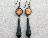 """Long hanging earrings, design yellow wax, small cabochon, metallic spiral and tiger's eye beads- model """"Fatou"""""""
