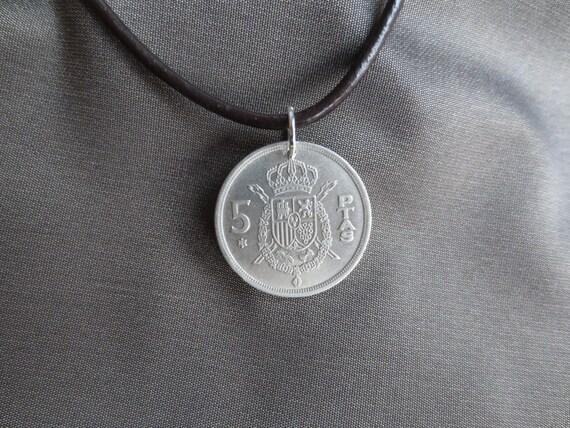 Anhänger Halsketten Mantel Von Waffen Spanien Münze Etsy