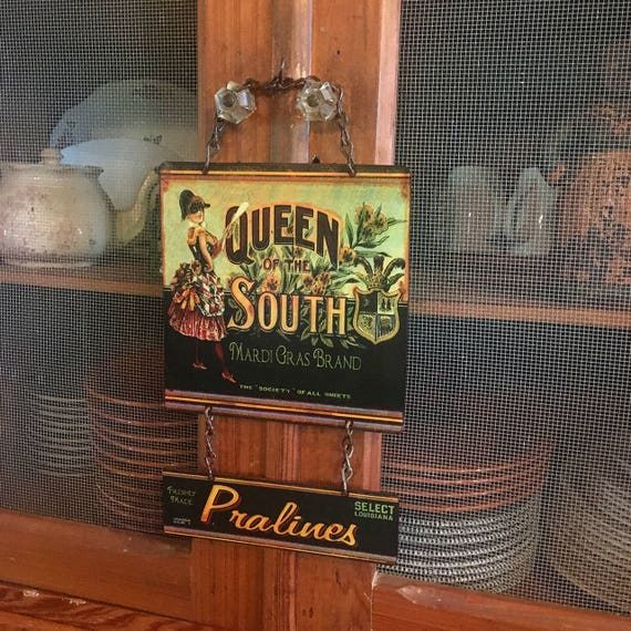 "Vintage Metal Sign MARDI GRAS ""Queen of the South Pralines"" Home Wall Decor, Old Historic Art Label. PASTin®"