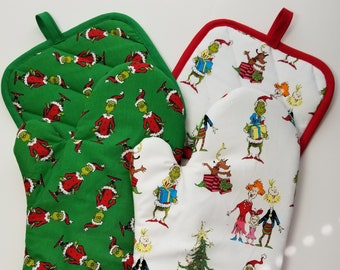 how the grinch stole christmaswhoville oven mitt and pot holderpick a set - How The Grinch Stole Christmas Decorations