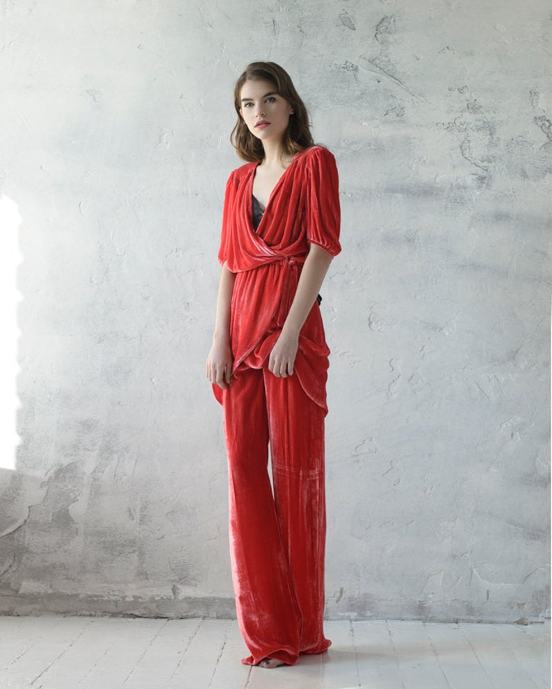 Red velvet suit for woman image 0
