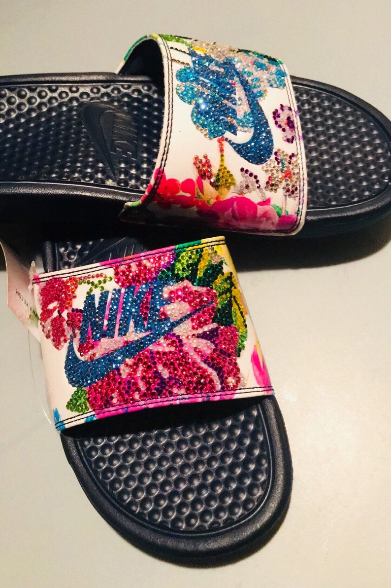 7a3524694ec11f New Bling Floral Nike Slides SZ 8 US WOMENS