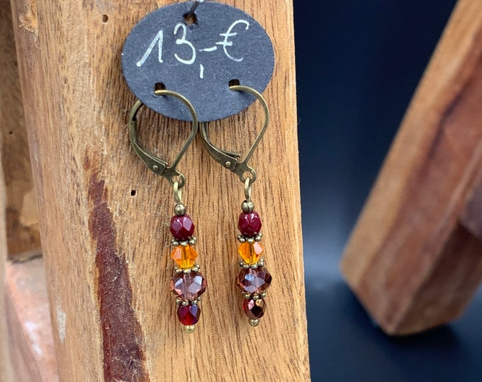 Handmade beaded earrings made of glass beads.