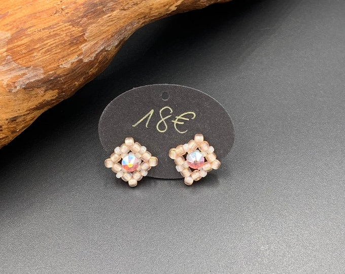 Hand-beaded 2 in 1 stud earrings made of tohobes and Swarovski plugs